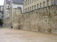 https://en.wikipedia.org/wiki/Wall_of_Philip_II_Augustus