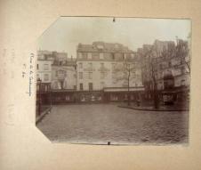 http://parismuseescollections.paris.fr/fr/musee-carnavalet/oeuvres/grand-hotel-des-sports-place-de-la-contrescarpe-5eme-arrondissement-paris